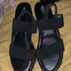 Mossimo black platform sandals size 11